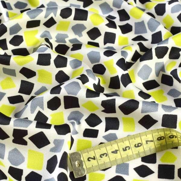 Шелк японский белый в черные, серые, желтые фигуры, ш.147 оптом