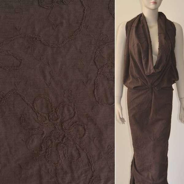 Батист коричневый с вышивкой и настроченной тесьмой ш.140 оптом