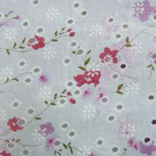 Батист белый в дырочки с розово-сиреневыми цветами ш.140 оптом