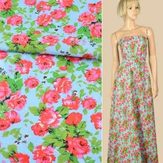 Батист голубой в красно-розовые розы, зеленые листья, ш.140 оптом