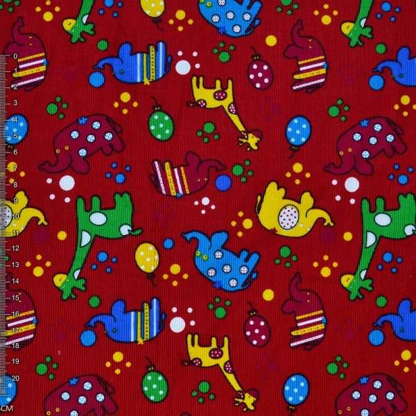 Микровельвет красный с жирафами и слониками ш.112 оптом
