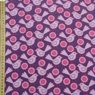 Микровельвет фиолетовый в розово-сиреневые птички, цветы, ш.145 оптом