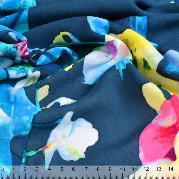 Вискоза раппорт синяя в розово-зелено-голубые цветы ш.140 оптом