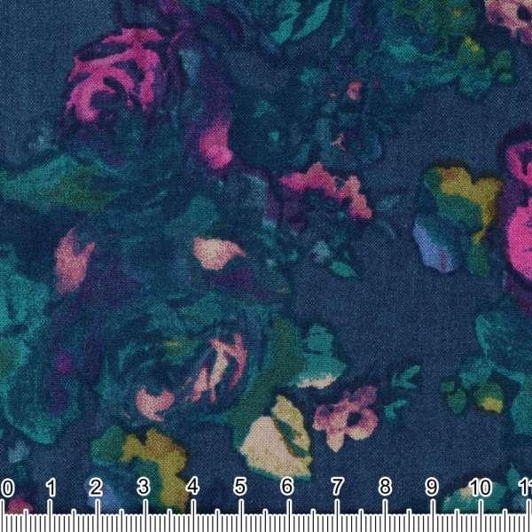 Вискоза синяя в акварельные зелено-малиновые розы ш.134 оптом