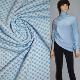 Трикотаж стрейч белый в голубые кружочки ш.170 оптом