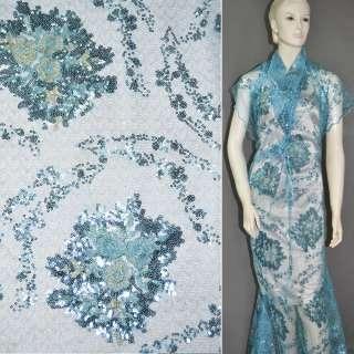 Паутинка голубая с пайетками и букетами бежевых цветов ш.130 оптом