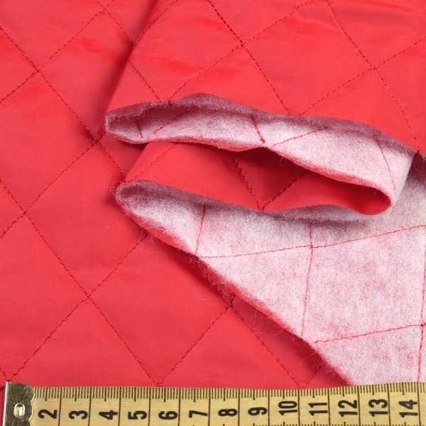 ткань плащевая стеганая красная ромбы ш.150 оптом