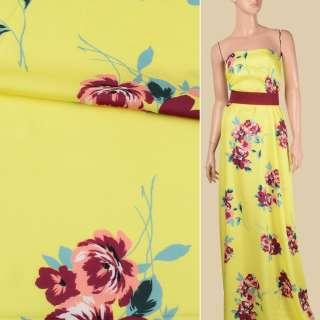 Вискоза атласная лимонно-желтая, бордово-персиковые цветы, ш.140 оптом
