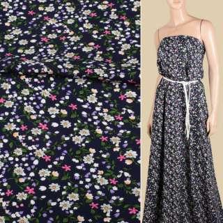 Вискоза синяя темная, мелкие белые, розовые, сиреневые цветки, ш.143 оптом