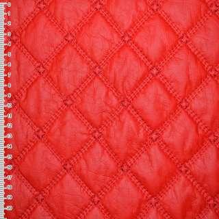 Кожа искусственная красная с вышитыми ромбами стеганая ш.150 оптом
