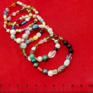 браслет из разноцветных бусин на резинке оптом