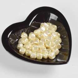 Бусина под жемчуг куб белая 10мм (цена за 1г) оптом