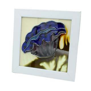Картина настольная керамика эмаль фиолетовый цветок белая рамка 19х19х1,5 см оптом