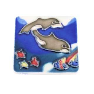 Магнит сувенирный керамика глазурь 6 х 6 см дельфины под водой оптом