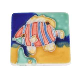 Магнит сувенирный керамика глазурь 6 х 6 см рыба полосатая голубо-алая оптом