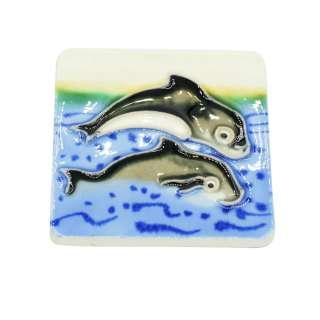 Магнит сувенирный керамика глазурь 6 х 6 см дельфины у берега оптом