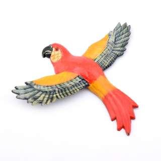 Магнит на холодильник Попугай 13х11см красный с пестрыми крыльями оптом
