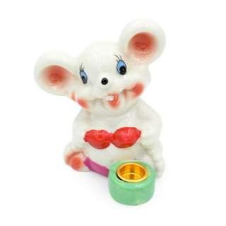 Фигурка подсвечник Мышка в купальнике с зеленым подсвечником 8 см белая оптом
