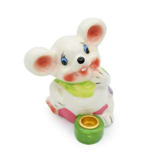 Фигурка подсвечник Мышка с зеленым шарфиком 8 см белая оптом
