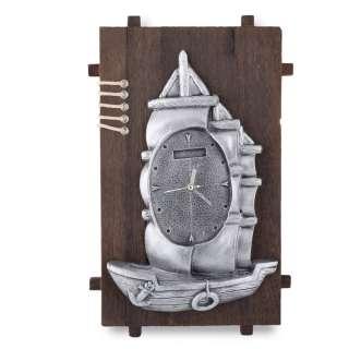 Часы настенные на деревянной основе 36x21см Парусник оптом
