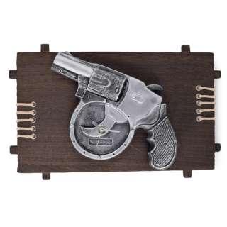 Часы настенные на деревянной основе 21х36 см Револьвер оптом