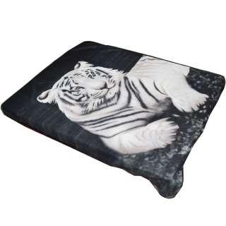 Плед флисовый 130х165 см с белым тигром черный оптом
