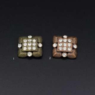 Ґудзик на ніжці метал квадратний з каменем білим 2.3х2.3 мм оптом